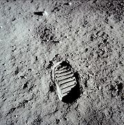 Apollo_11_bootprint.jpg