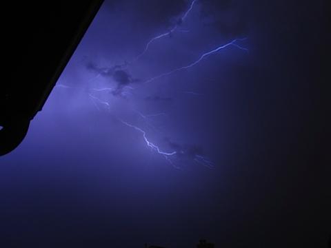 lightning-IMG_2372.JPG
