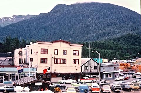 Alaska-6to8-81452712-SLD-001-0014.jpg