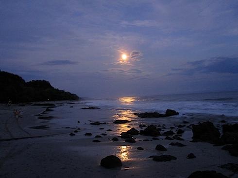 moon-over-montezuma-IMG_1310.JPG