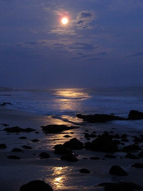 moon-over-montezuma-IMG_1313b.jpg